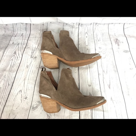 Jeffrey Campbell Shoes - Jeffery Campbell Sz 8 suede Leather western Boots